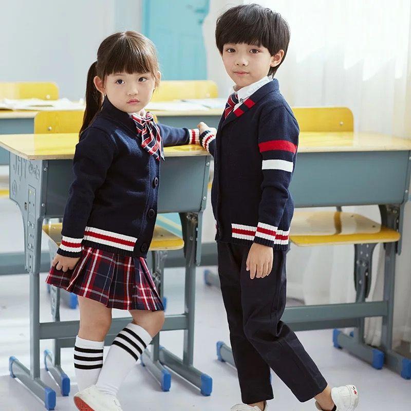 学校为什么要求学生穿校服