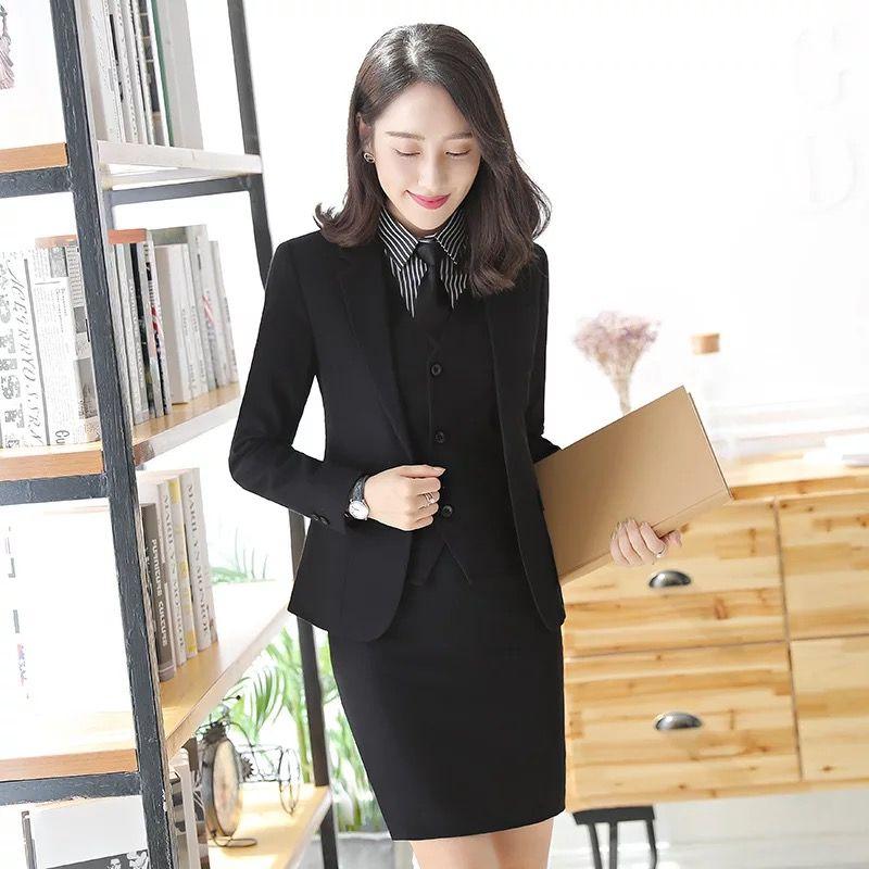 职业套裙应该如何穿才协调?