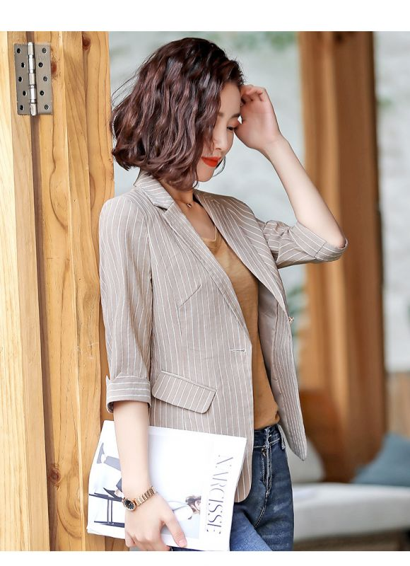 条纹小西装女2019春秋韩版女士气质显瘦休闲复古帅气港风西服外套